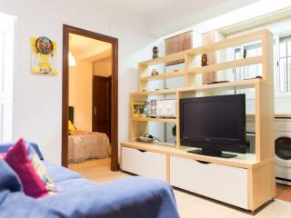 Apartment In Cadiz.near The Beach