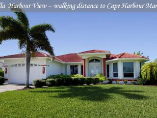 Villa Harbour View - Gulf access home, walking dis, Cape Coral