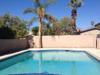 Private Fun Relaxing Vacation Home, Palm Desert