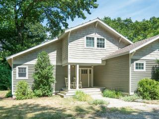 Tranquil Harbor Country 3br / 2 ba w/ Pool, Union Pier