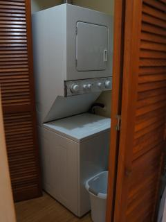 Washer-dryer in the apartment! No need to go elsewhere to do your laundry.