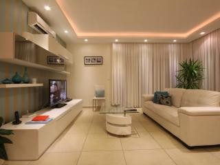 Genuine Luxury Designer Sunny 2 bedroom Apartment, Sliema