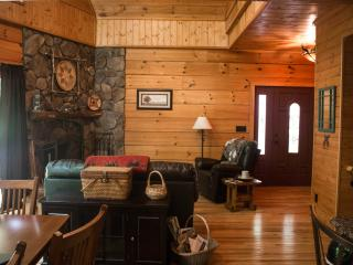 Mi'kmaq Lodge - between Boone and Blowing Rock