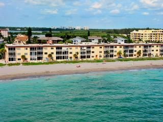 Siesta Key - Beachfront Condo-2BR-Free Boat Docks