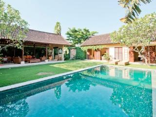 Rumi 4, Luxury 4 Bedroom Villa, Seminyak