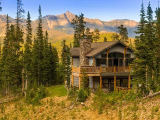 Beautiful 5 Bedroom Ski In, Ski Out Diamond Hitch Home in Moonlight Basin, Big Sky