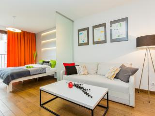 Charming and modern studio., Wroclaw