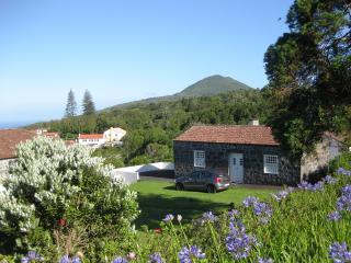 Casa azálea - terraço com vista do oceano, Capelo
