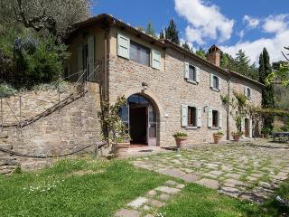 Valerie, luminous villa among rolling Tuscan hills, Cortona