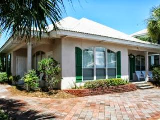 Beautiful Vacation Home in Destin, Emerald Shores!