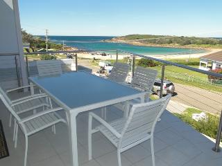 'Ultimate Beach House' 19a Graham Street, Boat Harbour