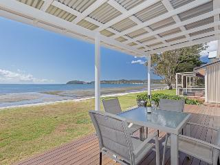'Beached Inn' 93 Foreshore Drive, Salamander Bay