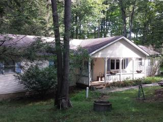 3 BR 2 Bath Rental Home, Experience Tranquility, Tobyhanna
