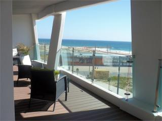 Apartamento T2 novo vista frontal mar beach, Costa da Caparica