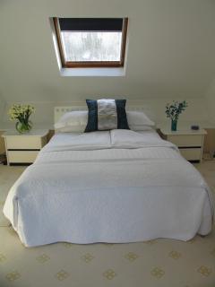 Master bedroom 1000 thread cotton sheets