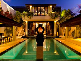 Villa One Seminyak - WALK TO KU DE TA - ON SALE