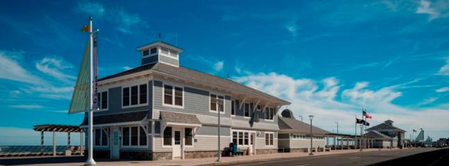 New Hampton Beach Visitors Center