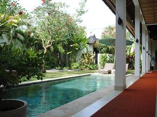 Villa Romantica -set in romantic rice fields -Ubud