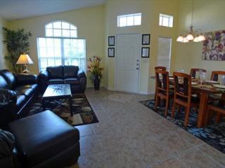 Lovely 4 Bedroom 2 Bathroom Villa with Saltwater Pool. 403BC, Orlando