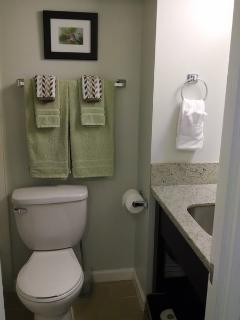 Cozy bathroom with a tub