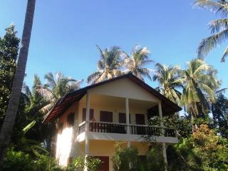 Sea View en-suite queen size bedrooms fan or A/C, Ko Phangan