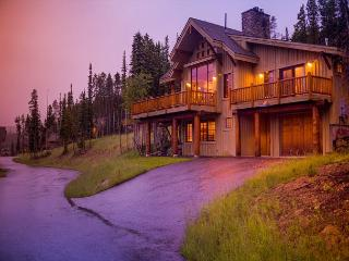 Fabulous ski-in, ski-out property that offers majestic views and privacy too!, Big Sky