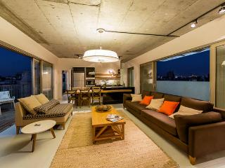 Flea Market Luxurious Penthouse - Clock House P., Jaffa