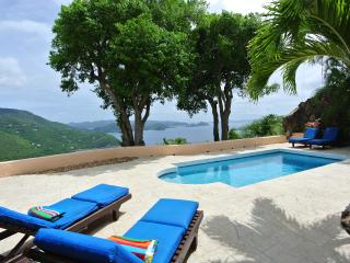 Idyllic Private Home~ Glorious Views, Lush Tropical Gardens, Near Best Beaches!