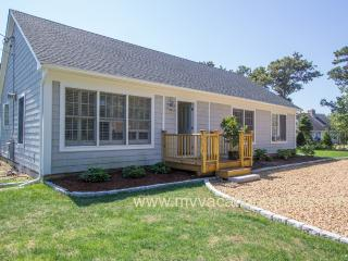 KOSE2 - Classic Updated Summer Katama Cottage, A/C Bedrooms, WiFi, 1.5 Miles to South Beach and same to Village Center, Edgartown