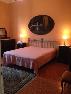 camera da letto matrimoniale primo piano