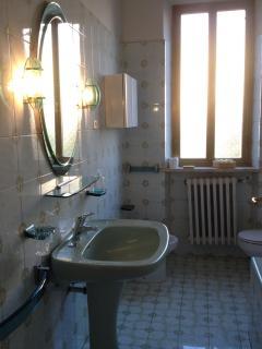 bagno primo piano