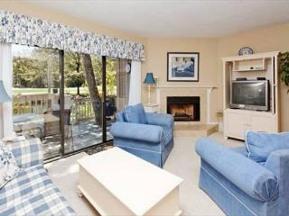 Beachwalk 172, 2 Bedrooms Pool, Walk to Beach, Shipyard Plantation, Sleeps 7, Hilton Head