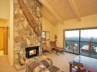 Timber Ridge 30 - Ski in Ski out Mammoth Condo, Mammoth Lakes