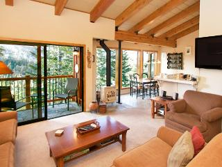 Timber Ridge 38 - Ski in Ski out Mammoth Condo, Mammoth Lakes