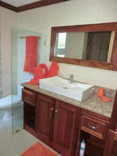 2nd en suite bathroom