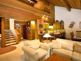 Tennis Village 9 - Deluxe Mammoth Rental, Mammoth Lakes