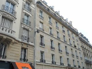 Luxury apartment rental in central Paris, 7th, París
