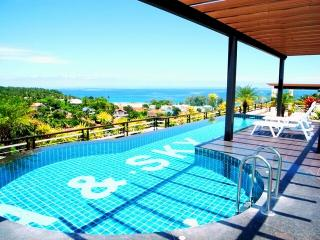 Superb Sea Views apartment !, Karon