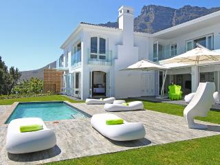 La Maison Hermes, The Ultimate View Of Camps Bay.
