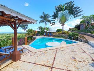 Monte Placido - M, Hilltop Ocean & Mountain View, Pool, Near Beaches, Yoga
