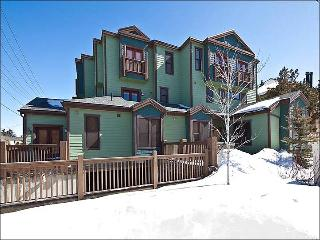 Welcoming Decor and Furnishings - Shared Outdoor Hot Tub (18015), Park City