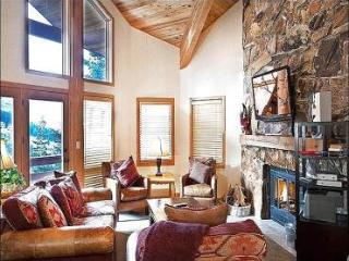 Scenic Wooded  Views - Private Outdoor Hot Tub and Shared Sauna (25376), Park City
