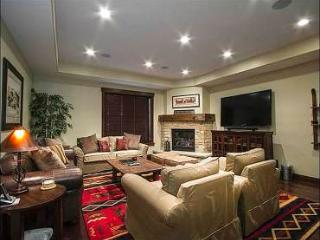 Private Hot Tub (Set up fee may apply) - Two Car Garage (25401), Park City