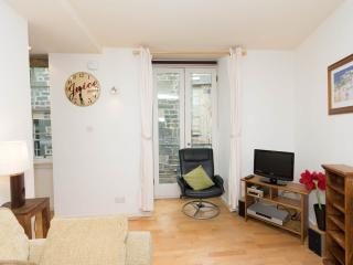 West Bow Grassmarket Old Town/ 1 bedroom apartment