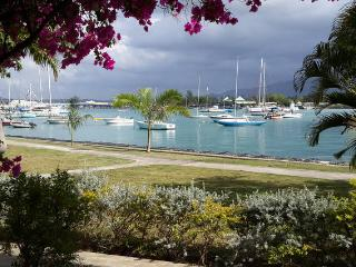 Beautiful Waterfront Apt with Free Access to Private Beach Club Across Street, Montego Bay