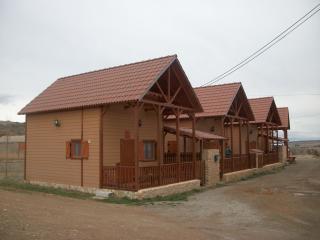 Se alquilan bungalows de madera, Orihuela del Tremedal