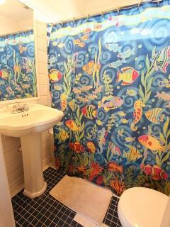 Shared Bathroom *Main Level*