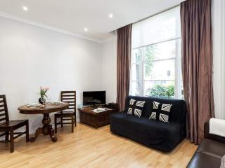 Amazing 1 Bedroom in Notting Hill with Free Wifi