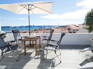 Terrace river view penthouse, Lisboa