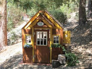 'Little Paradise' Outdoor Playhouse